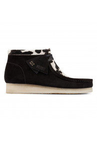 CLARKS WALLABEE BOOT COW PRINT BLACK
