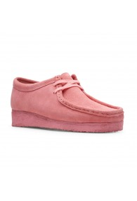 CLARKS WALLABEE PINK SUEDE